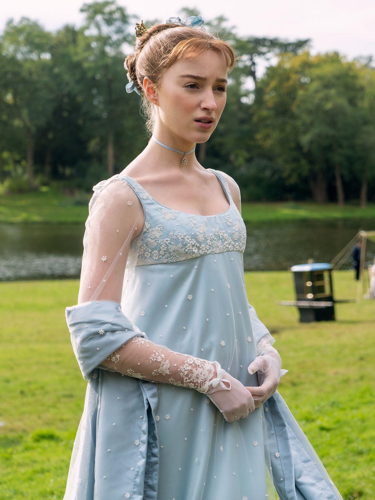 """""""Bridgerton""""-Star Phoebe Dynevor: Was ihre Eltern nicht sehen dürfen"""