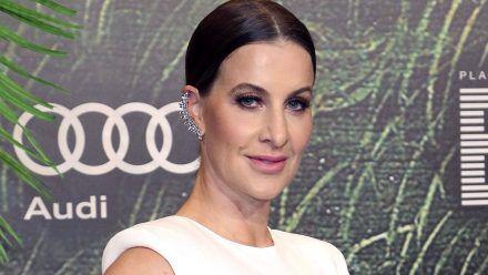 Scherzkeks Charlotte Würdig präsentiert ihr Kardashian-Hinterteil