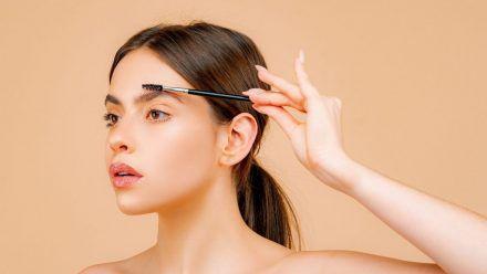 So bekommt man DEN Beauty-Trend 2021 hin: Fluffy Brows
