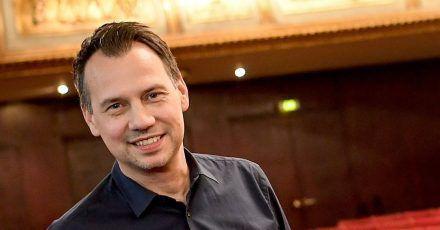 Sebastian Fitzek rief zum Schreiben auf.