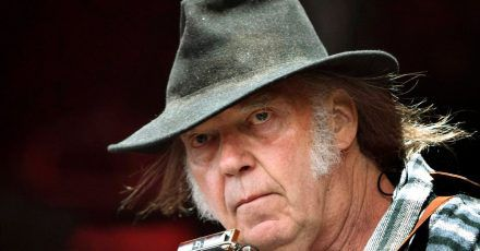 Neil Young 2016 auf dem Roskilde Festival.