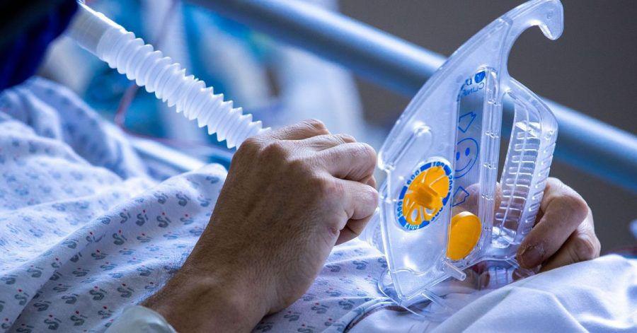 Eine Corona-Infektion könnte neuen Studien zufolge monatelang vor einer Neuansteckung mit dem Virus schützen.