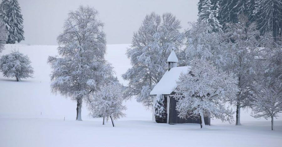 Starke Schneefälle haben nicht nur im Allgäu die Lawinengefahr erhöht. Auch in den Bayerischen Voralpen ab 1500 Metern stieg die Warnstufe.
