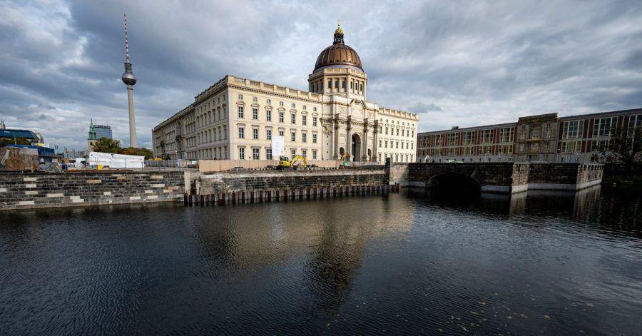 Nach der Eröffnungsphase wird es im neuen Berliner Humboldt Forum bei einer unterschiedlichen Eintrittspolitik bleiben.