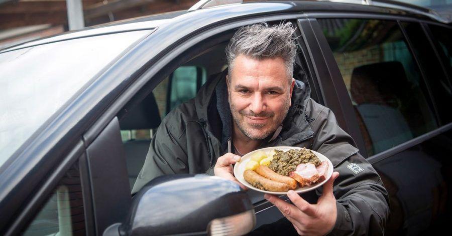 Marco Tienz serviert das klassische Grünkohlgericht jetzt per Taxi.