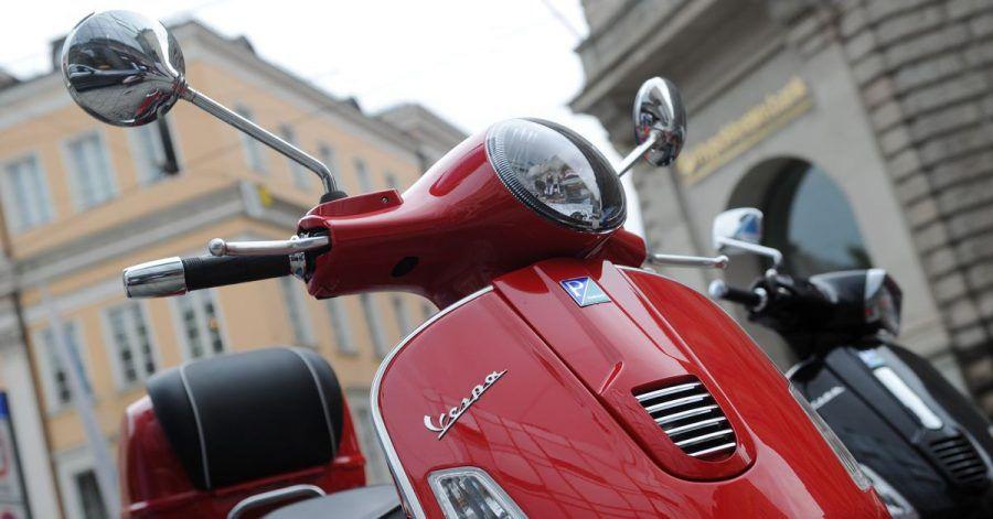 Vor allem der italienische Hersteller Piaggio spürt, dass Motorroller wieder im Trend liegen.
