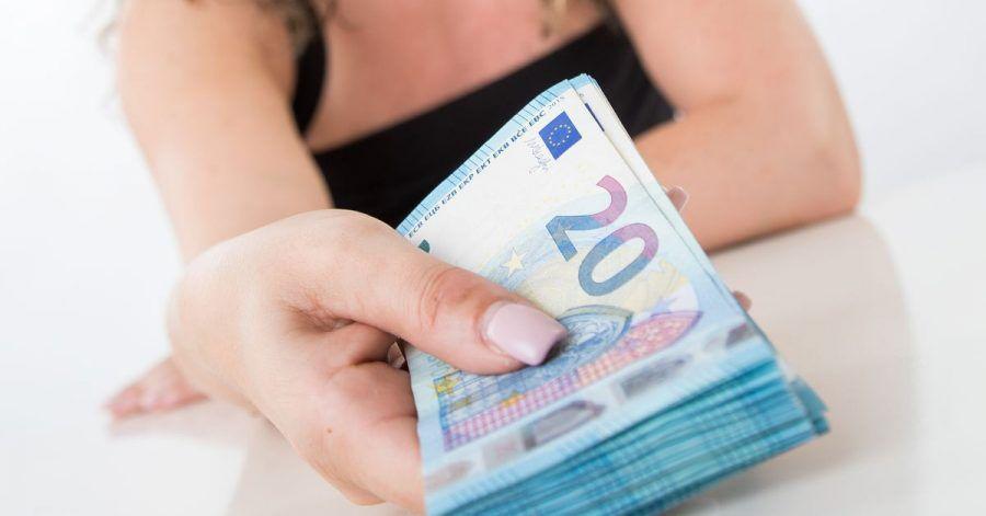 Kredite mit Minuszinsen sind häufig eine Marketing-Aktion. Kunden zahlen dafür unter anderem mit ihren Daten.