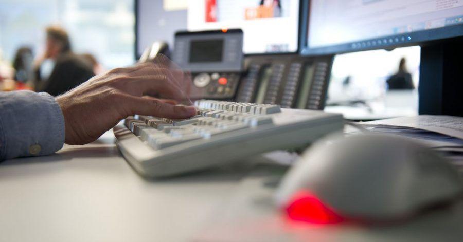 Tastatureingaben und Mausbewegungen können mit sogenannter Keylogger-Software überwacht werden. Dies ist am Arbeitsplatz aber nur zulässig, wenn der Verdacht einer Straftat oder einer besonders schweren Pflichtverletzung besteht.