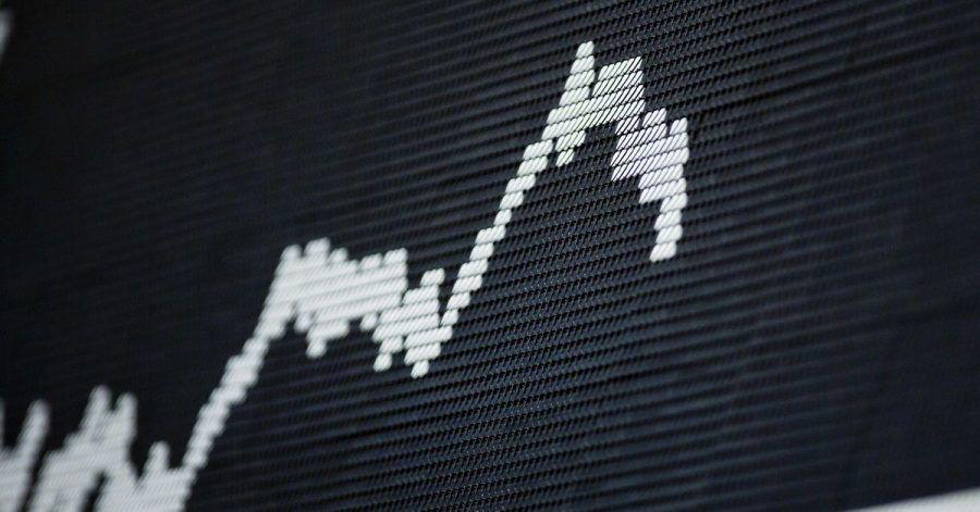 An der Börse geht es auf und ab - doch auf lange Sicht sind Gewinne wahrscheinlicher als Verluste.