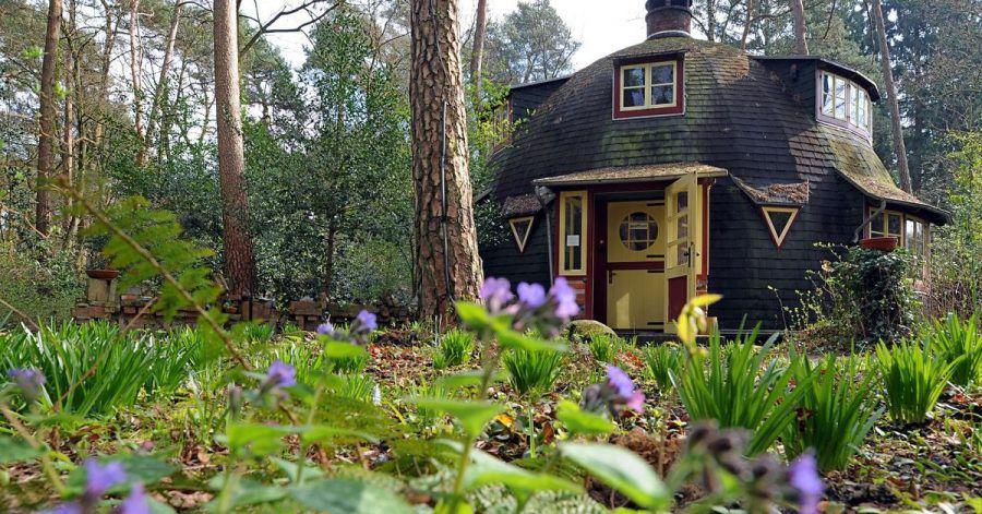 Beliebtes Touristenziel: das Künstlerdorf Worpswede - hier das Haus des ersten Gästeführers Edwin Koenemann.