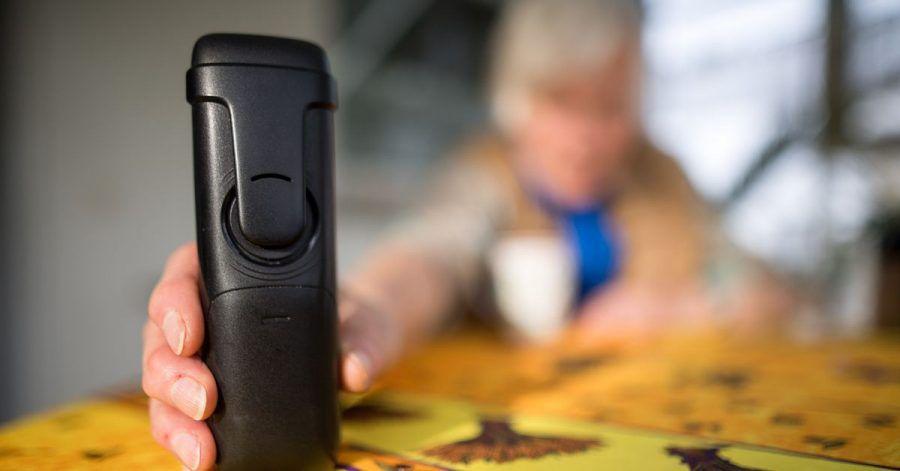 Eine Dortmunder erhielt zahlreiche Anrufe von Senioren, die einen Impftermin vereinbaren wollten (Symbol).