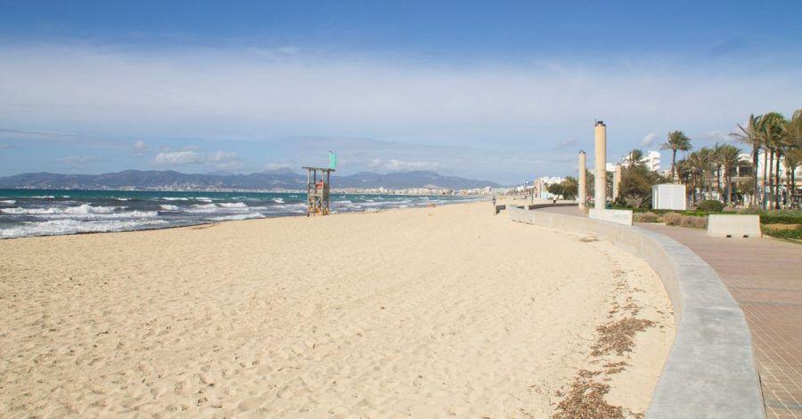 Leere Strände auf Mallorca. Die Corona-Krise hat die deutsche Reisebranche weiter fest im Griff.