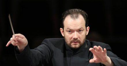 Dirigent Andris Nelsons kehrt auf den Grünen Hügel zurück.