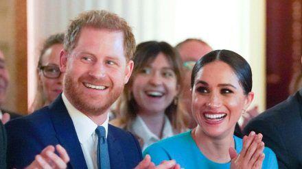 Im Namen ihres Sohnes Archie wollen Prinz Harry und Herzogin Meghan die Welt zu einem besseren Ort machen (stk/spot)