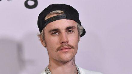 Justin Biebers Körper zieren normalerweise zahlreiche Tattoos. (wag/spot)