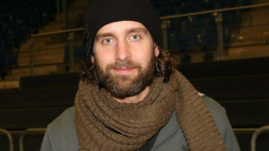 Handball-Star Silvio Heinevetter ist offensichtlich keine Frostbeule (mia/spot)