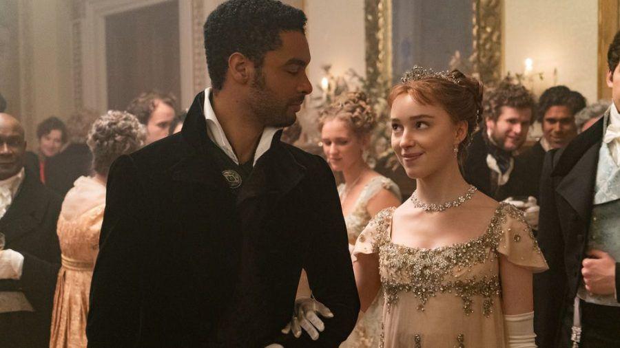 Regé-Jean Page spielt Simon Basset, Phoebe Dynevor seine Gattin Daphine Bridgerton. (jom/spot)