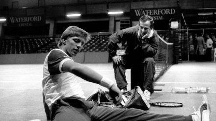 Bob Brett (r.) im Jahr 1987 mit seinem damaligen Schützling Boris Becker. (dr/spot)