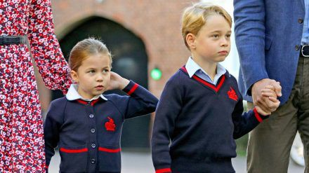 Prinzessin Charlotte und Prinz George dürfen noch nicht wieder in die Schule. (mia/spot)