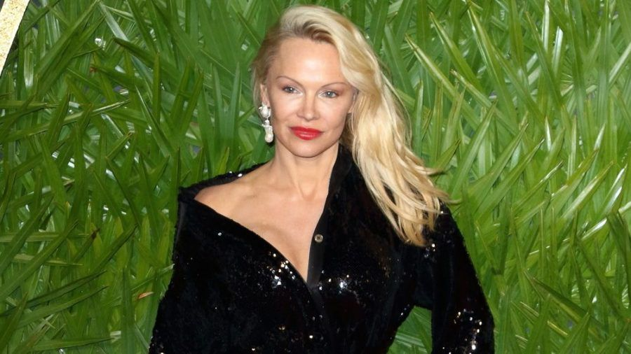 Pamela Anderson 2017 in London (mia/spot)