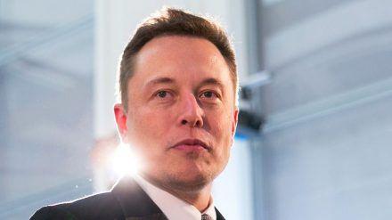 Elon Musk profitiert von seinem Unternehmen Tesla. (cos/spot)