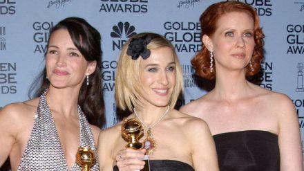 Kristin Davis, Sarah Jessica Parker und Cynthia Nixon bei den Golden Globe Awards 2002. (jom/spot)