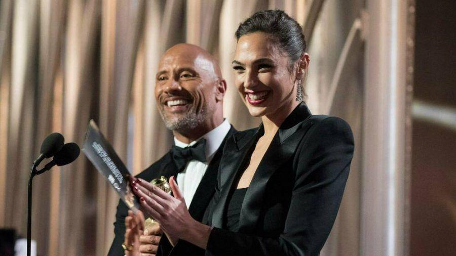 """Dwayne """"The Rock"""" Johnson und Gal Gadot sind nur zwei der vielen Stars, die es bei Netflix das ganze Jahr über zu sehen geben wird. (wue/spot)"""