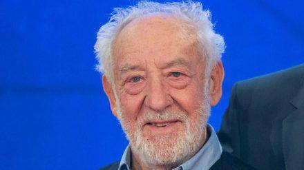 """Mit seinen 85 Jahren ist Dieter """"Didi"""" Hallervorden Priorität Nummer eins im Impfplan der Bundesregierung (stk/spot)"""
