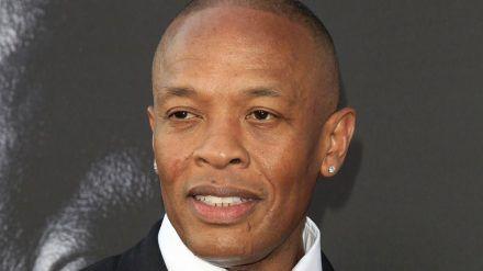 Dr. Dre scheint sich gut erholt zu haben. (cos/spot)