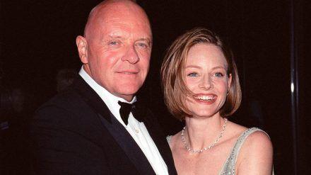 Anthony Hopkins und Jodie Foster 1999 auf einer Veranstaltung. (jom/spot)