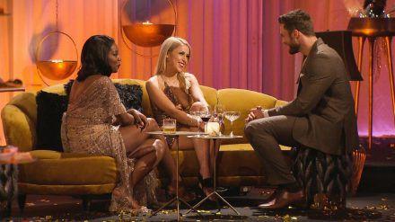 """Linda (li.) und Denise möchten """"Bachelor"""" Niko Griesert kennenlernen. (jom/spot)"""