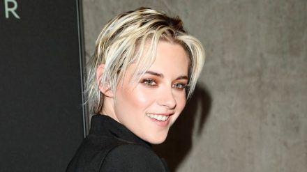 Kristen Stewart nimmt sich der Rolle der Prinzessin Diana an. (cos/spot)