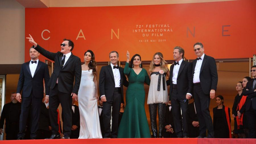 """Der """"Once Upon A Time In... Hollywood""""-Cast rund um Quentin Tarantino (2.v.l.) 2019 in Cannes. (cos/spot)"""