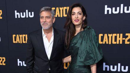 George und Amal Clooney auf einer Veranstaltung in Hollywood (wue/spot)
