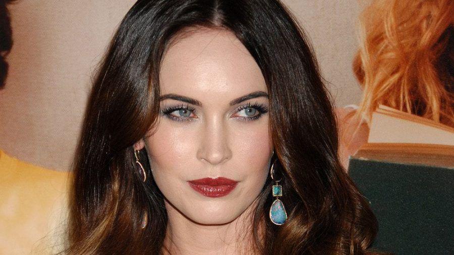 Schauspielerin Megan Fox nimmt zu den Verlobungsgerüchten auf Instagram Stellung. (amw/spot)