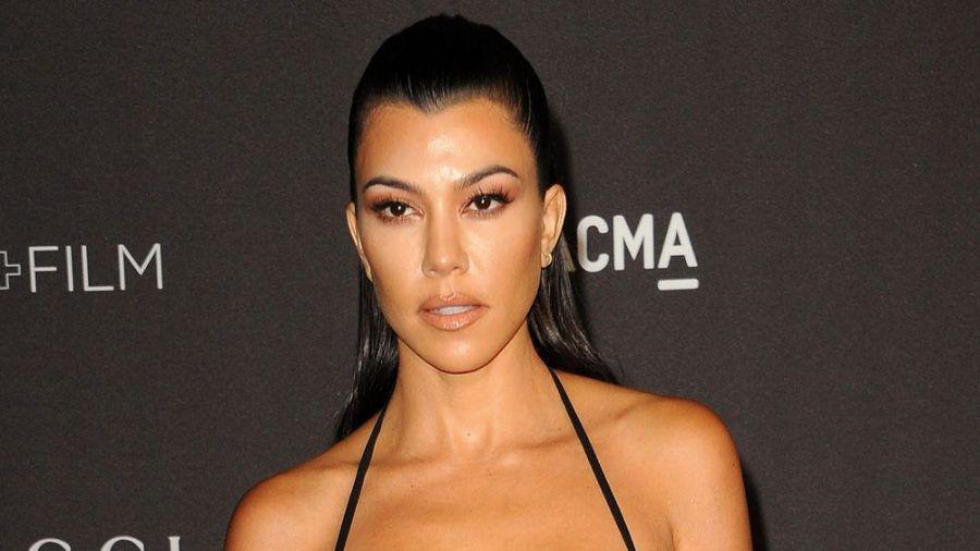 Kourtney Kardashian zeigt hin und wieder gern einmal nackte Haut. (amw/spot)