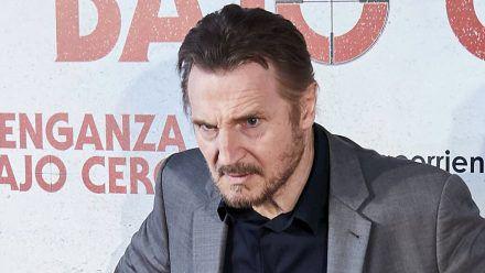Liam Neeson liebt es, Typen zu verprügeln, die halb so alt sind wie er