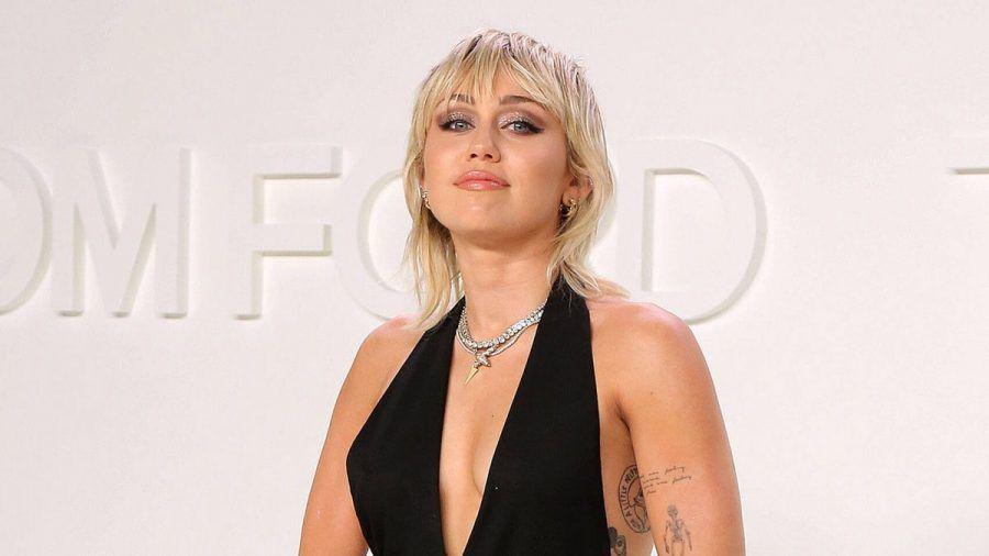 """Warum Miley Cyrus Frauen """"viel heißer"""" findet als Männer"""