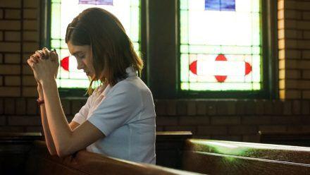 """Verlosung """"Yes, God, Yes - Böse Mädchen beichten nicht"""""""