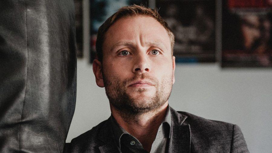 """Neu in der Mediathek: Max Riemelt in """"Der Schneegänger"""""""