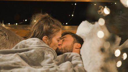 Video: Endlich: Bachelor Niko und Favoritin Mimi küssen sich