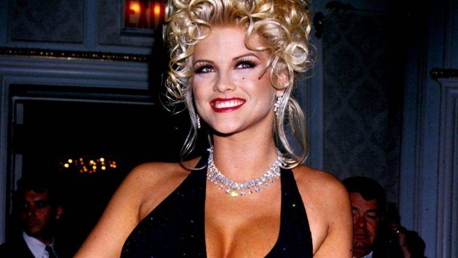Video: So tragisch war das Leben von Anna Nicole Smith