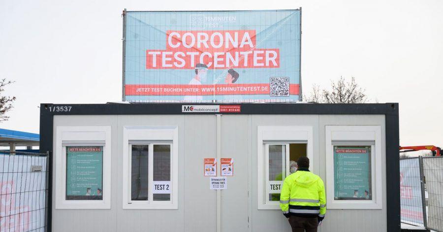 Corona-Testcenter auf einem Rasthof im sächsischen Kodersdorf.