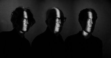 Schattenwesen:Daniel Davies (l-r), John Carpenter und Cody Carpenter.