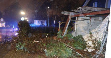 Eine beschädigte Garage in Radevormwald.