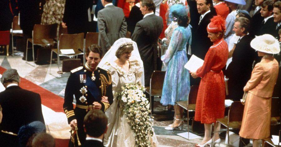 Prinz Charles und Prinzessin Diana verlassen nach der Trauungszeremonie die St.-Pauls-Kathedrale.