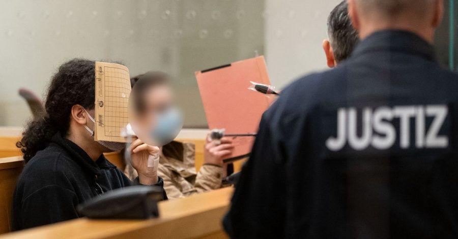 Die Angeklagten mussten sich vor dem Landgericht Hannover wegen heimtückischen Mordes verantworten.