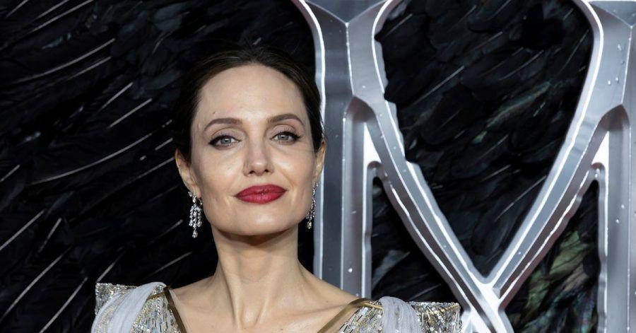 Angelina Jolie trennt sich von ihrem Churchill-Gemälde.