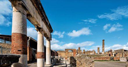 Die gut erhaltene Ruinenstadt von Pompeji gehört zu den absoluten Top-Sehenswürdigkeiten Italiens.