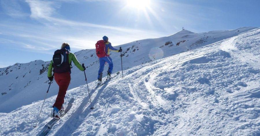 Skitouren sind beliebt - und in Corona-Zeiten eine schöne Abwechslung.